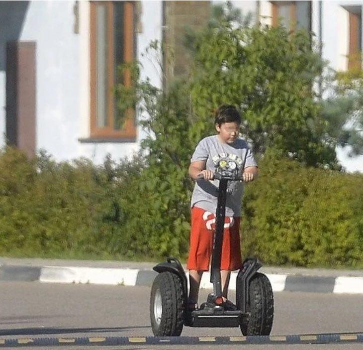 Сын Баскова, почему мальчик отказался от фамилии отца, а сам певец не стремится к общению
