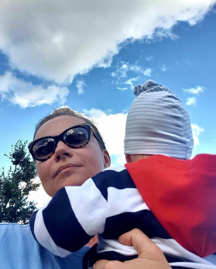 В 10 месяцев и 28 лет— два сына прекрасной Марии Мироновой, о муже ни слова