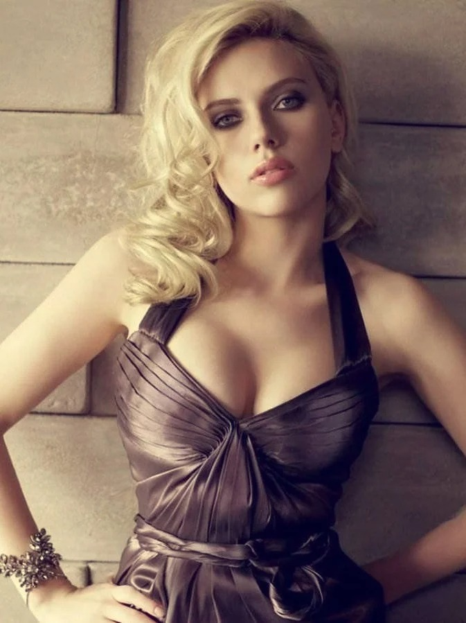 «Идеальные!»: знаменитые красавицы, от женственных форм которых мужчины без ума